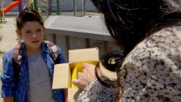 ESCENA: ¡Contacta a los niños en videojuegos para transportar drogas!