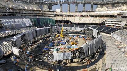 Casi listo el nuevo estadio de los equipos de la NFL de Los Ángeles, Rams y Chargers. Con una inversión de casi 5 mil millones de dólares, estará listo para abrir sus puertas a los aficionados del futbol americano en marzo.