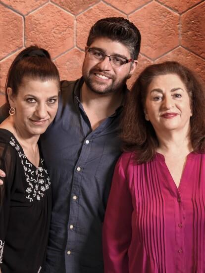 La Familia Nahum viene del Líbano y se instaló aproximadamente en la ciudad de México en el año de 1900.