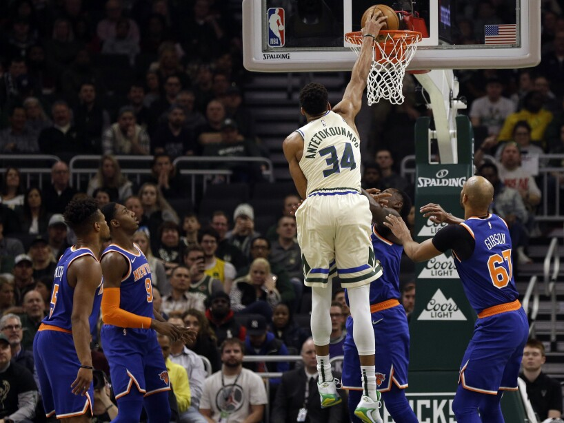 Knicks Bucks Basketball