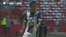 ¡Trallazo y gol de Rayados! Maxi Meza cruza a Luis García para el 0-2