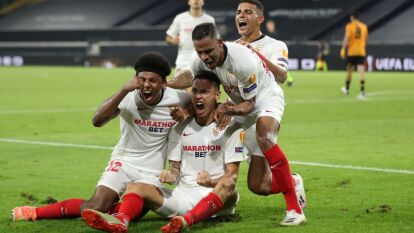 Wolverhampon cayó ante Sevilla en la Europa League | Raúl Jiménez falló un penal y los Wolves cayeron por la mínima diferencia; Sevilla se medirá al Manchester United en la semifinal.