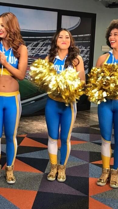 Chargers Cheerleaders 19.jpeg
