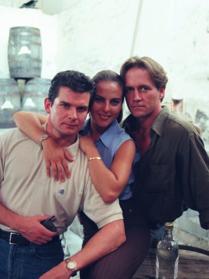 La Mentira, producida en 1998 por Carlos Sotomayor, se convirtió en un éxito instantáneo gracias a su consolidado elenco encabezado por Kate del Castillo y Guy Ecker y la historia donde se mezcla el amor con la venganza. <br><br>Ahora que se reestrenó a las 4:30 de la tarde por el canal Tlnovelas es momento de mostrar cómo lucen algunos de los actores y qué han hecho después de este proyecto.</br></br>