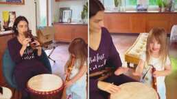 Aislinn Derbez y Kailani muestran su talento para tocar la flauta y los tambores en un concierto mañanero