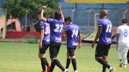 ¡Golazo! 'Gullit' Peña se estrena en El Salvador como en sus mejores épocas