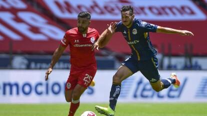 Toluca comienza con más actitud que el Atlético San Luis y con la presión le complica el partido a los potosinos.