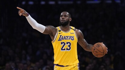 El increíble calzado de LeBron en la NBA | La figura de los LA Lakers ha destacado en la duela por su talento con el balón y por sus espectaculares zapatillas.