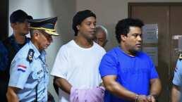 Ronaldinho vuelve a declarar, ahora esposado y custodiado