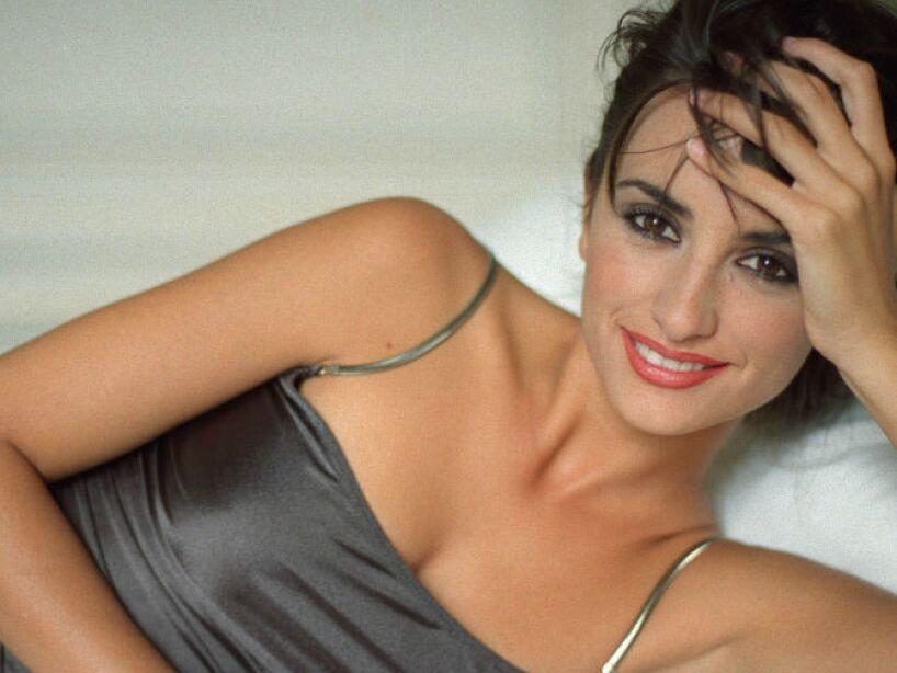 Su nombre deriva de una de las canciones favoritas de sus padres, Penélope, interpretada por Joan Manuel Serrat.