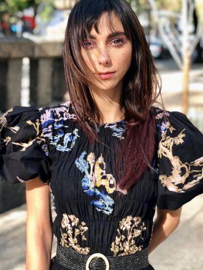 Natalia Téllez nunca ha tenido miedo a cambiarse el look, y recientemente, sorprendió a sus seguidores con extensiones. Pocas veces se le ha visto con el cabello largo y lacio.
