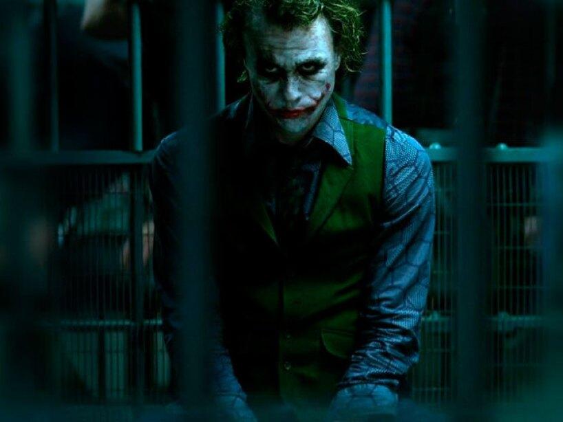 Ledger le pidió a Christopher Nolan que lo dejara dirigir los vídeos en los que The Joker amenaza a Batman.
