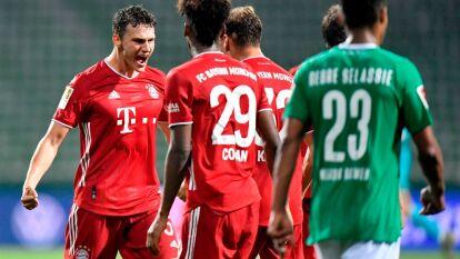 Los bávaros consiguieron su trigésimo título de la Liga alemana luego de vencer por la mínima diferencia al Werder Bremen con gol de Robert Lewandowski. Es el octavo título consecutivo para Bayern Munich; su dominio en la Bundesliga es total.