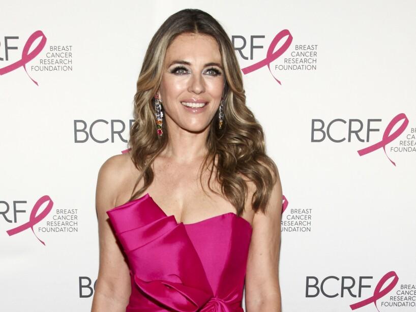 9e4c6bc3e92f0 Elizabeth Hurley en una recaudación de fondos para la investigación del  cáncer de mama