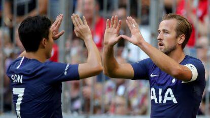 Kane y Son festejan el único tanto del partido