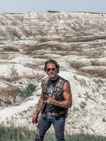 Sebastián Rulli mostró en redes sociales el exótico viaje que hace sin Angelique Boyer