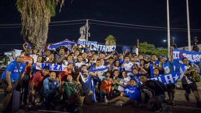 La afición del Cruz Azul viajó a Jamaica para acompañar al equipo en la recta final de la Concachampions.
