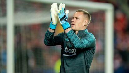 Dejó impresionados a sus fans cuando declaró que sabía muy poco de futbol. A pesar de ser el portero principal del club número uno en el mundo, el alemán confesó no ver futbol y no conoce a muchos jugadores.