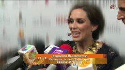 Jacqueline Bracamosntes feliz por esperar a su segunda niña