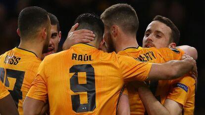 En un gran partido del Wolverhampton, en casa, el equipo de Raúl Jiménez goleó al Espanyol 4-0 con hat-trick de Jota y un golazo de Rúben Neves.