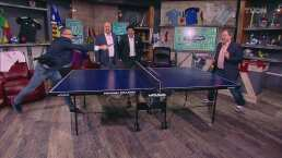 Félix Fernández dio cátedra a sus compañeros jugando al ping pong