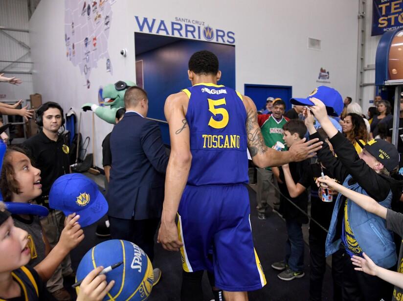 South Bay Lakers v Santa Cruz Warriors