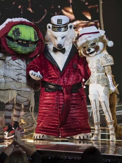 """En la gran final de ¿Quién es la Máscara? Disco Ball, Mapache, Oso y Zombie se pusieron muy navideños para cantar el emblemático tema """"All I Want For Christmas Is You"""". A continuación, te compartimos los mejores momentos fotos."""