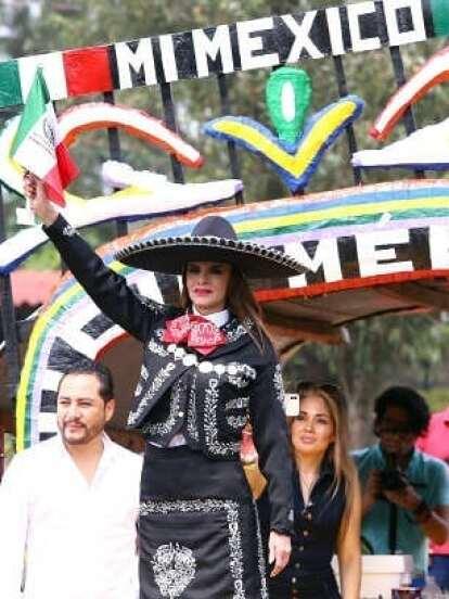 Lucía Méndez se convirtió en tendencia este jueves luego de protagonizar una desafortunada presentación de su sencillo 'Mi México' en el programa de espectáculos De Primera Mano, donde pidió parar el audio.