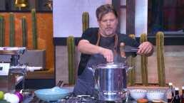 El chef Poncho Cadena muestra lo fácil que es preparar una salchicha casera en Familias Frente al Fuego