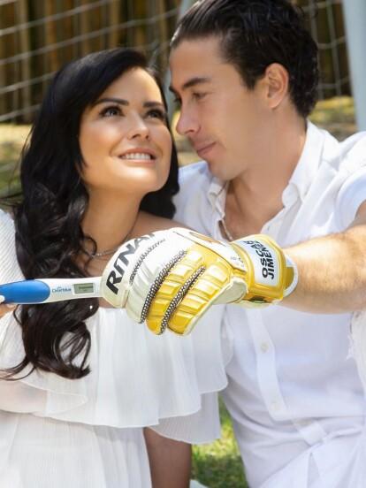 El pasado 8 de abril, Mariana Echeverría anunció en su cuenta de Instagram que estaba embarazada junto a su esposo Óscar Jiménez Fabela, jugador del Club América.