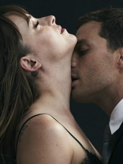 Atrévete a recrear las escenas de sexo de la película. ¡Haz clic en la galería!