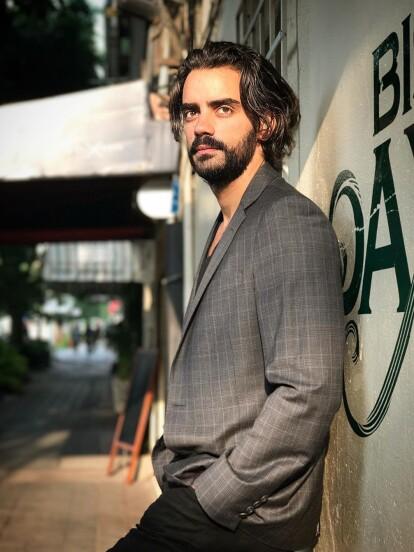 Diego Amozurrutia dará vida a 'Alejandro Larios', hijo de 'Catalina Creel', en la nueva versión de 'Cuna de lobos'. La serie forma parte del proyecto Fábrica de sueños, el cual reinventará algunas de las telenovelas más populares de Televisa.