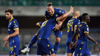 Samuel Di Carmine de Hellas Verona anotó el segundo gol de su equipo y significó la victoria por 2-1 ante Cagliari.