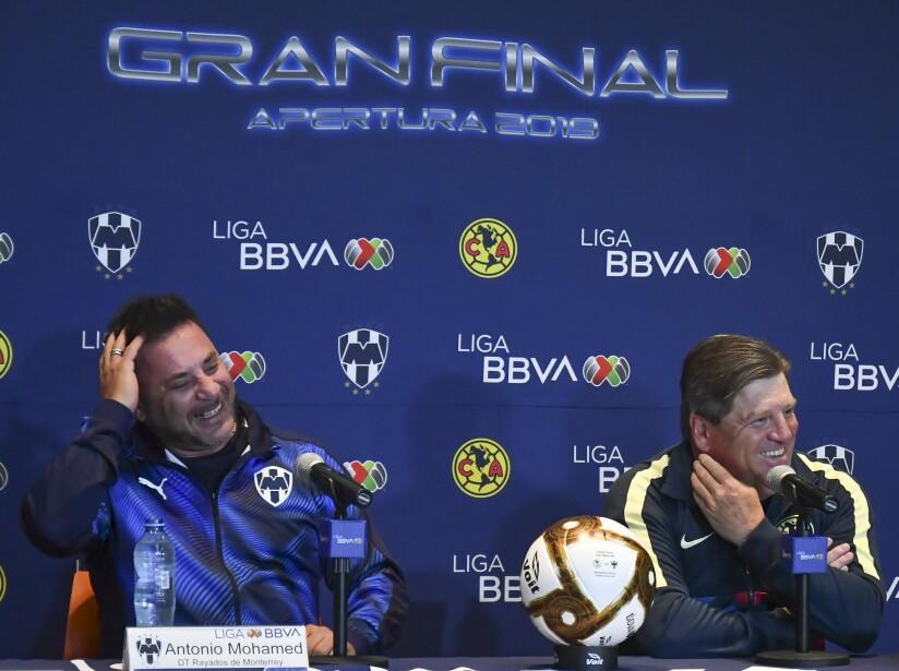'El Piojo' y 'El Turco' concedieron entrevistas en un ambiente relajado desde el Estadio Azteca.