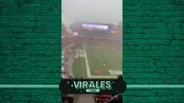 Tremendo chaparrón con viento retrasó un partido de NFL