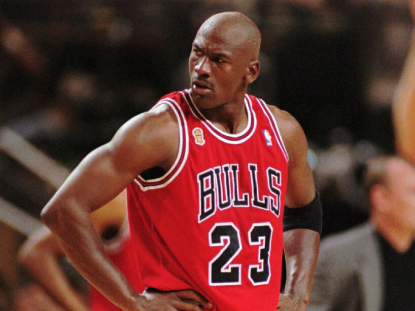 8. Michael Jordan: Donó 5 millones de dólares a una institución en Chicago con estudiantes de origen afro americano.
