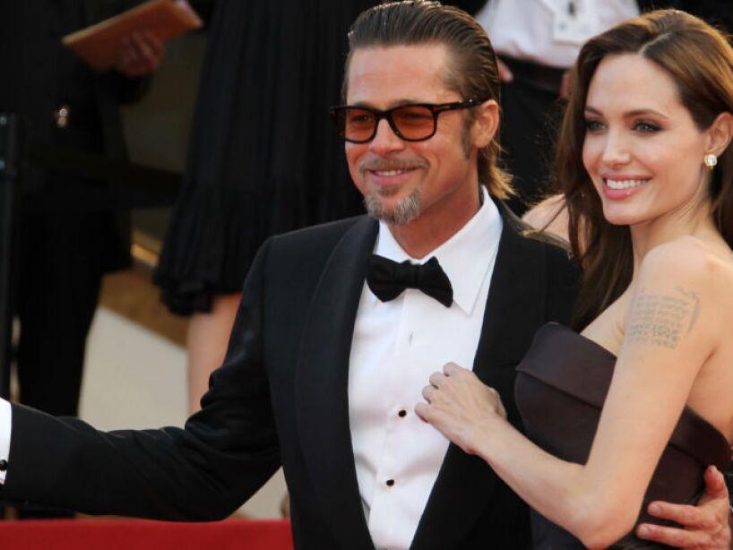 6. Brad Pitt y Angelina: Donaron 8,400,000 dólares para la reconstrucción de Nueva Orleáns, ayuda a refugiados y el entendimiento entre culturas.