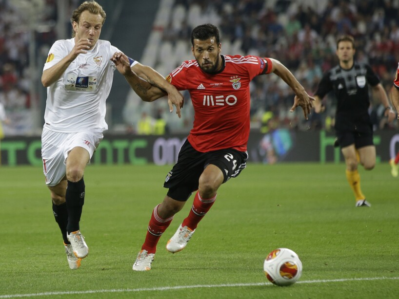 Ezequiel Garay, Ivan Rakitic