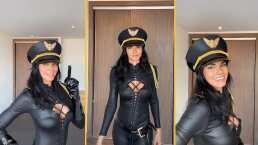 Livia Brito enamora a sus seguidores con su disfraz de látex: ¿Necesitas una piloto con traje de policía?