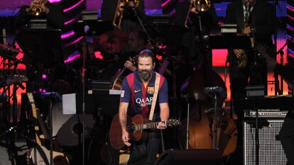 El día que Pau Donés homenajeó a un hermano blaugrana | El vocalista de Jarabe de Palo rindió tributo a un hincha de Barcelona con un significativo jersey.