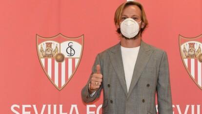 Rakitic se reporta listo en Sevilla