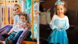 Masha, hija de Ana Layevska, canta a todo pulmón con su vestido de 'Elsa'