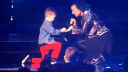 Niñito le pidió matrimonio a Demi Lovato en pleno concierto y elle aceptó