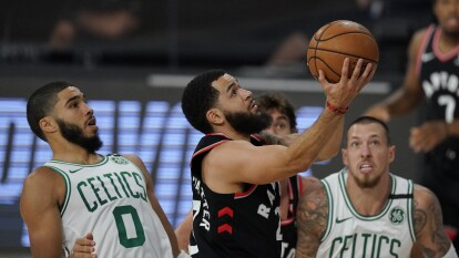 Los Raptors se impusieron 93-100 e igualaron la serie; el próximo 7 de septiembre se jugará el quinto partido.