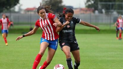 Victoria de Chivas femenil en su partido 100