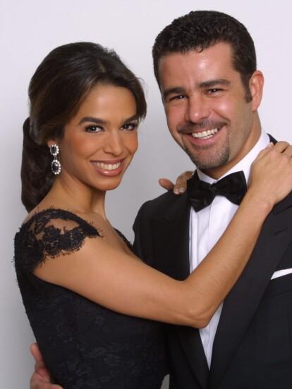 Bibi Gaytán y Eduardo Capetillo llevan casados más de 25 años. Precisamente, en julio de 2019 celebraron sus bodas de plata en compañía de sus cinco hijos: Eduardo jr., Ana Paula, Alejandra, Manuel y Daniel.