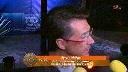 Sergio Mayer se rie de los chismes