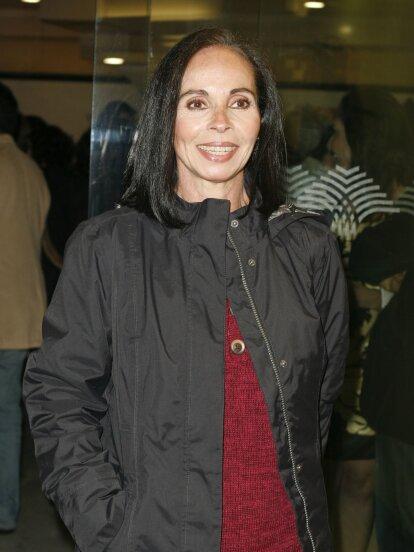 <b> </b>Todo el mundo la conoce bajo su nombre artístico, Macaria. Pero su nombre verdadero es Delia Beatriz De la Cruz Delgado y es originaria de la CDMX. Sus primeros años de vida los pasó con sus abuelos en La Habana Cuba, pero regresó a México para formar su educación.<br />