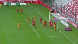 Gran reacción de Dayan Téllez para evitar el gol de Tigres