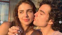 En el mes del amor, Danilo Carrera regala flores a Michelle Renaud y ella se lo agradece con tiernos besos